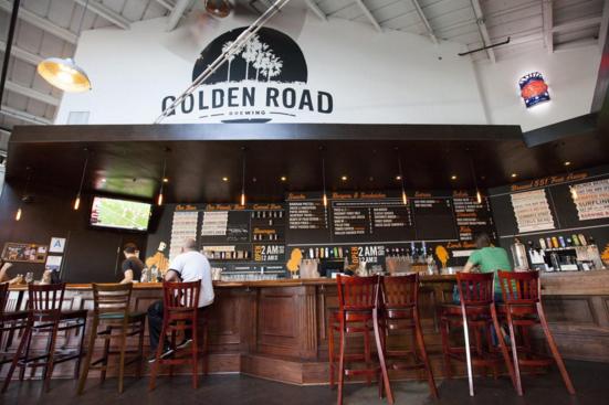 dog-friendly-bars-golden-road-brewing-la-socialites